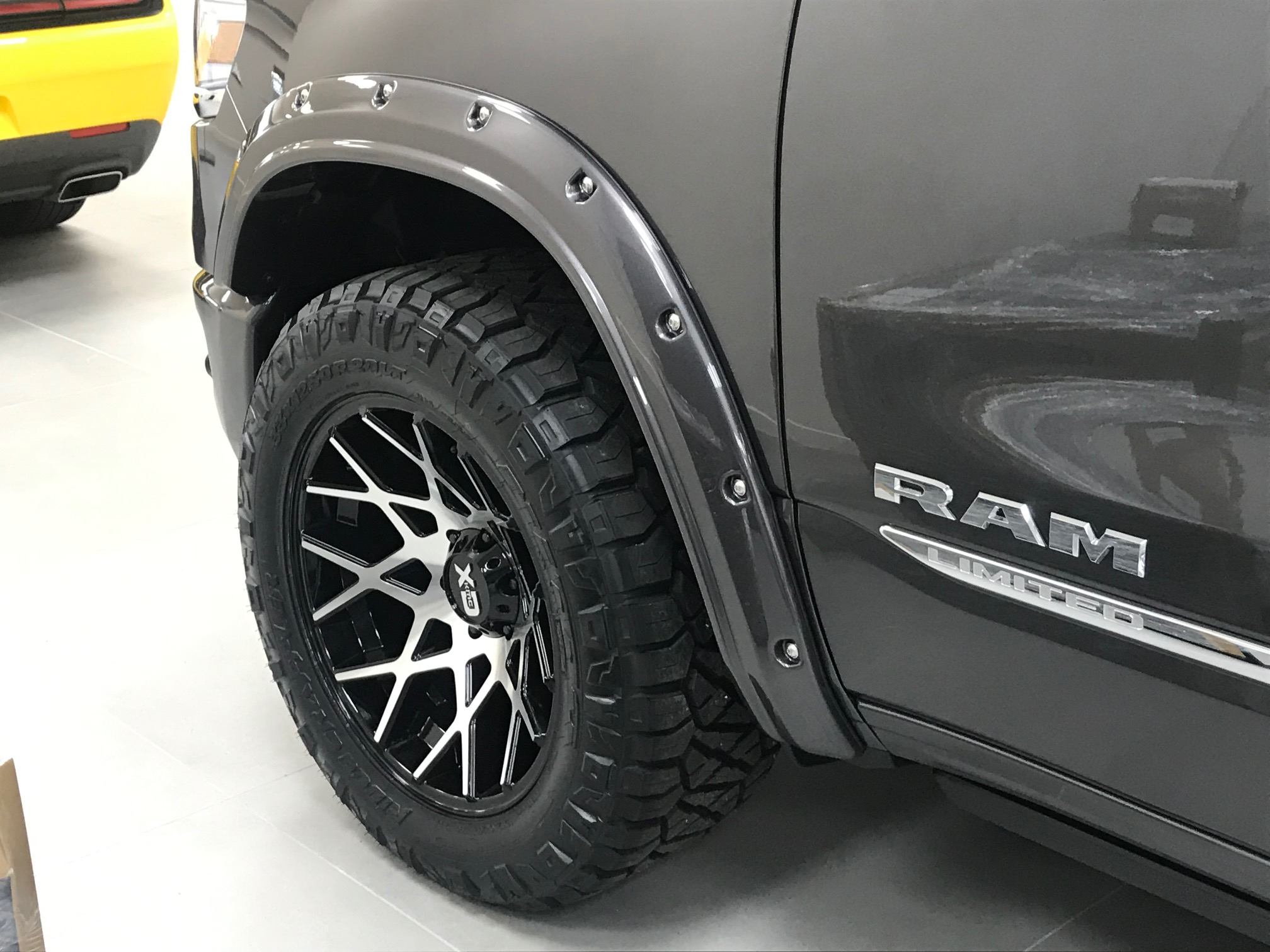 2019 ram with flares