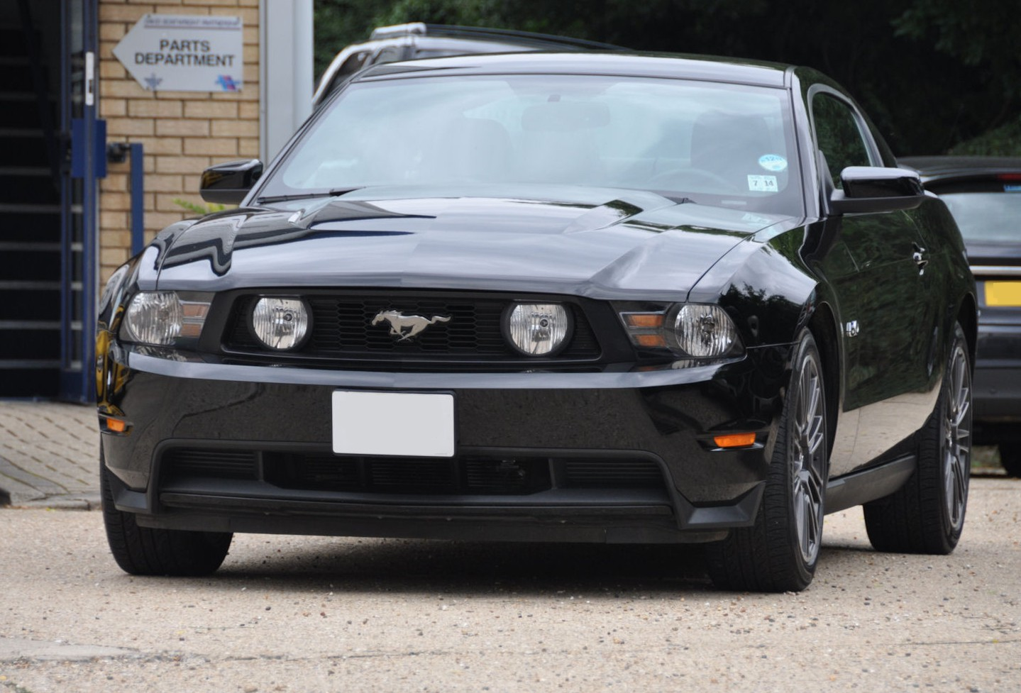 2011 60 ford mustang gt premium 5 0 litre automatic v8 fully loaded 11 000 miles only. Black Bedroom Furniture Sets. Home Design Ideas