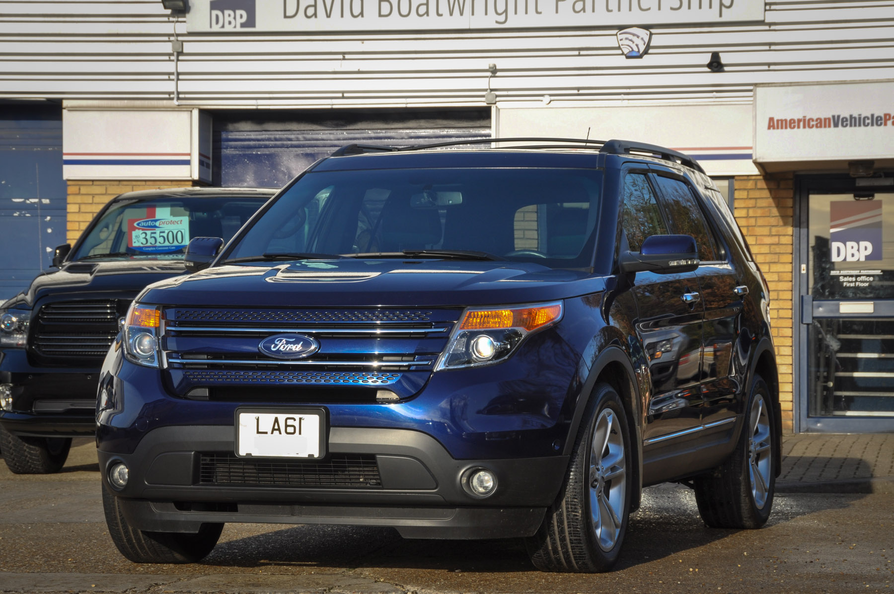 ford explorer limited awd  seater