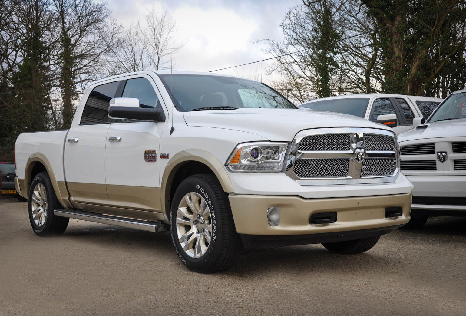 2013 dodge ram laramie longhorn crew cab 4x4 with sat nav. Black Bedroom Furniture Sets. Home Design Ideas