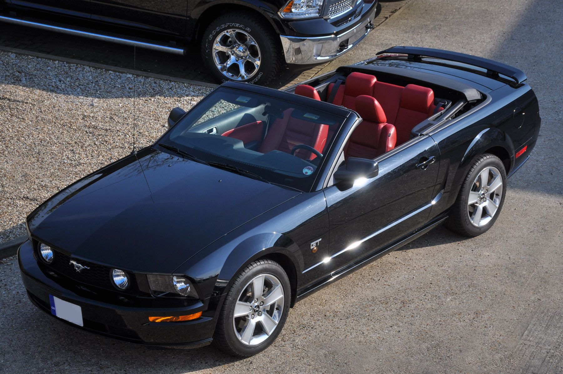 2006 55 ford mustang gt 4 6 litre v8 convertible premium 19 000 miles full history. Black Bedroom Furniture Sets. Home Design Ideas