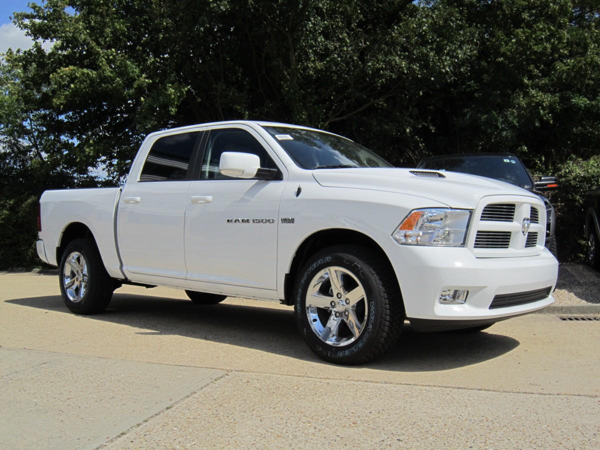 Dodge Ram Crew Sport White 2012