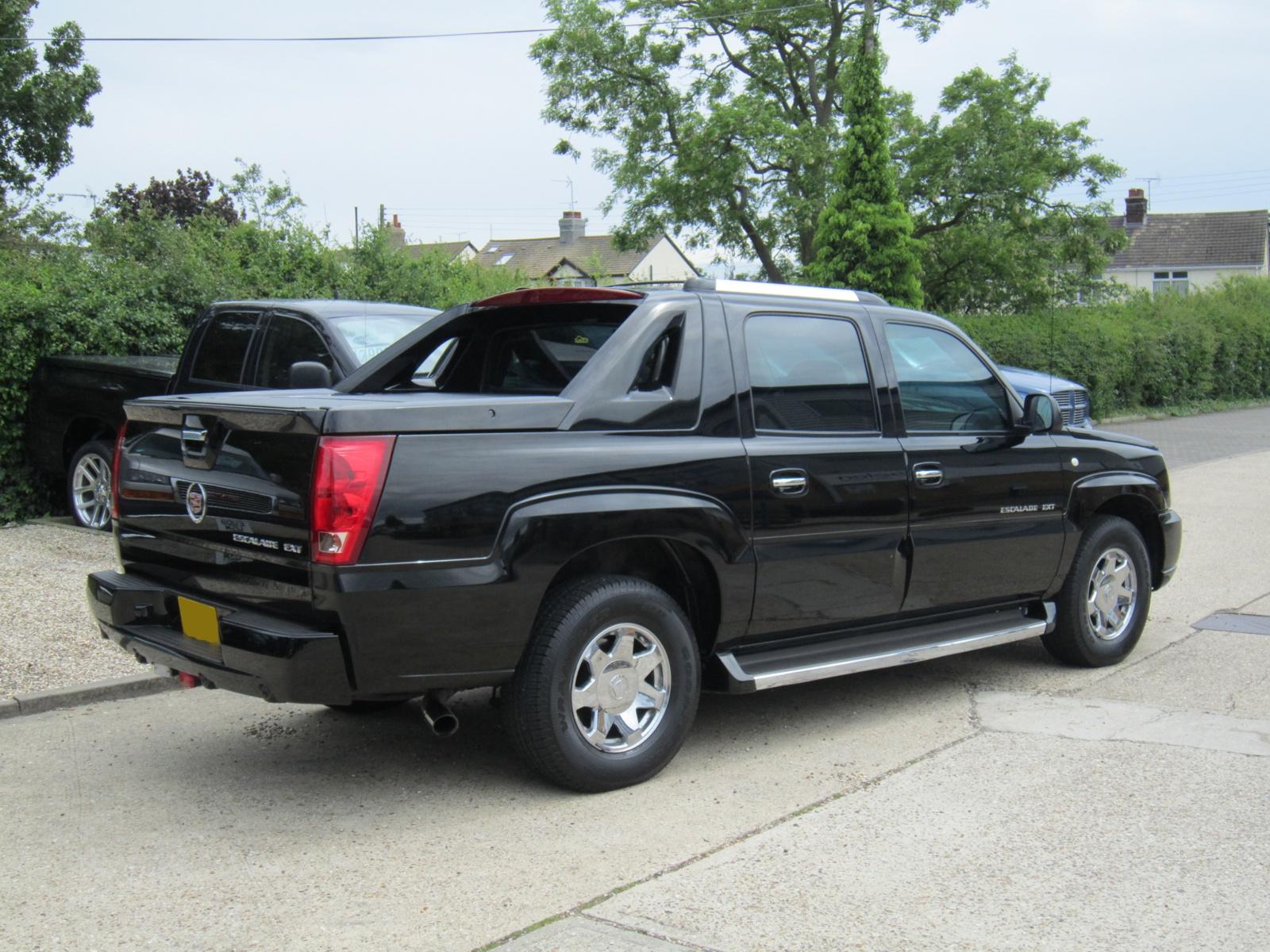 Chevrolet Avalanche Black