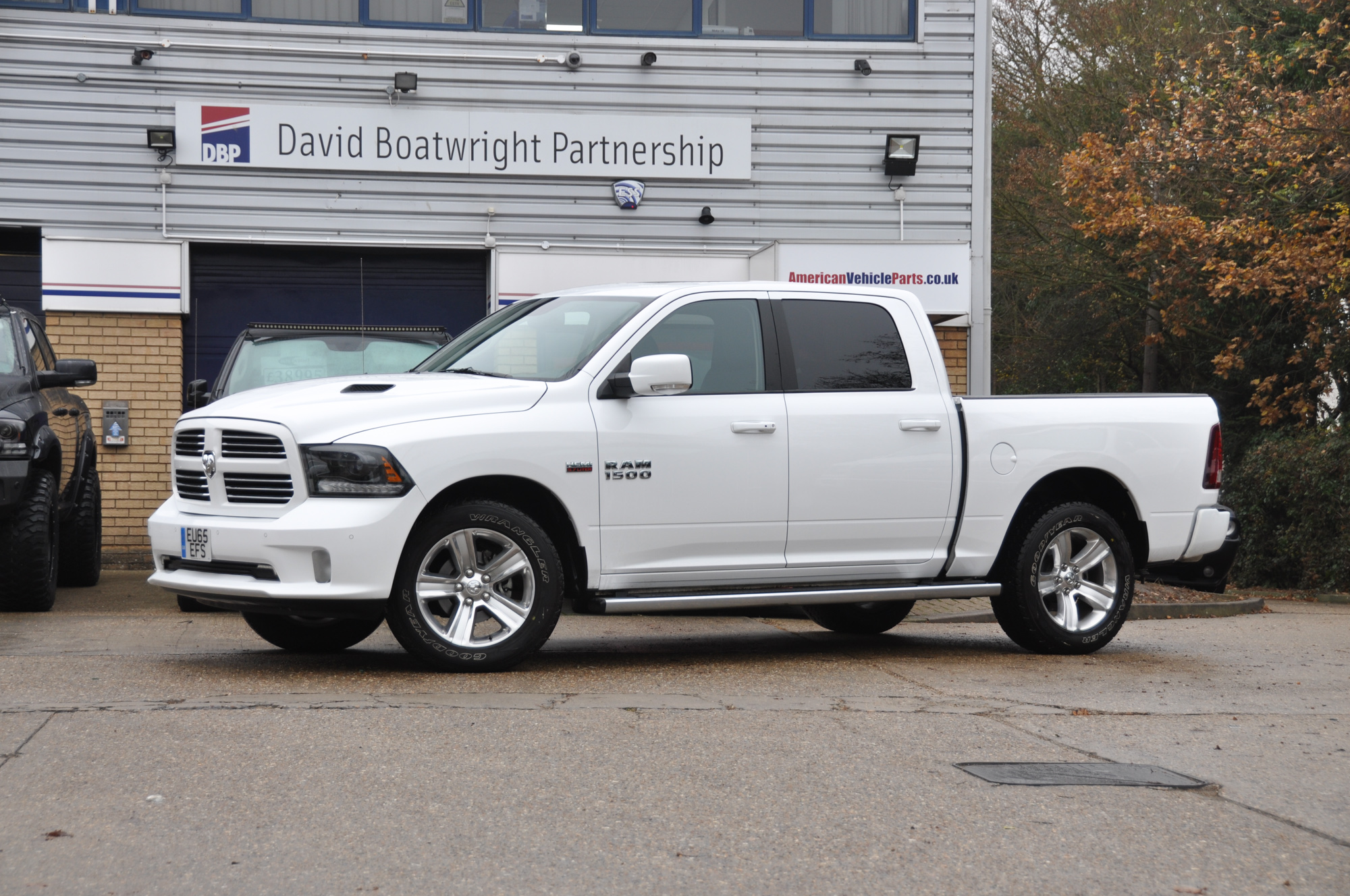 2015-dodge-ramwhite-2-of-15