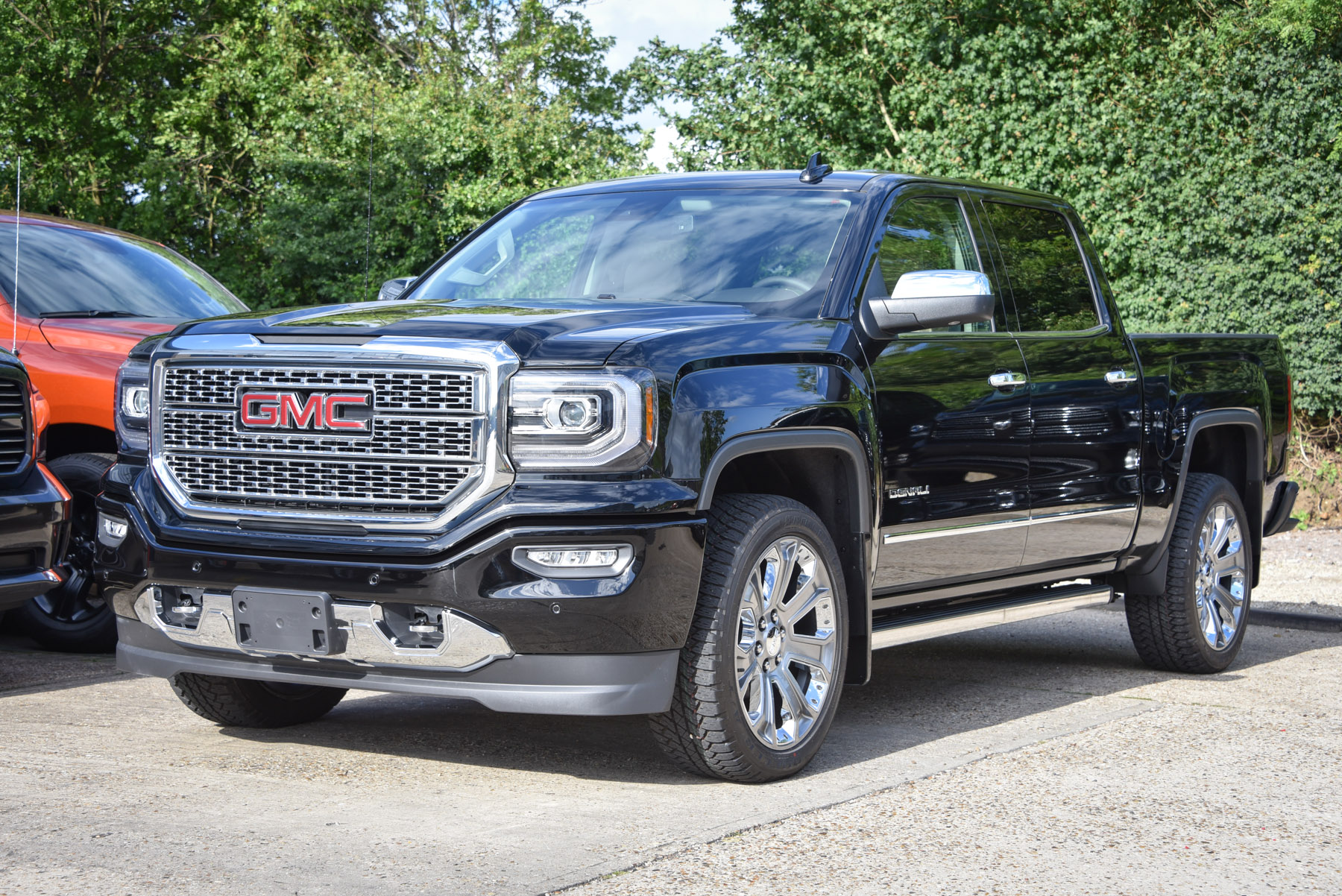gmc sierra denali ultimate  litre david boatwright partnership official dodge