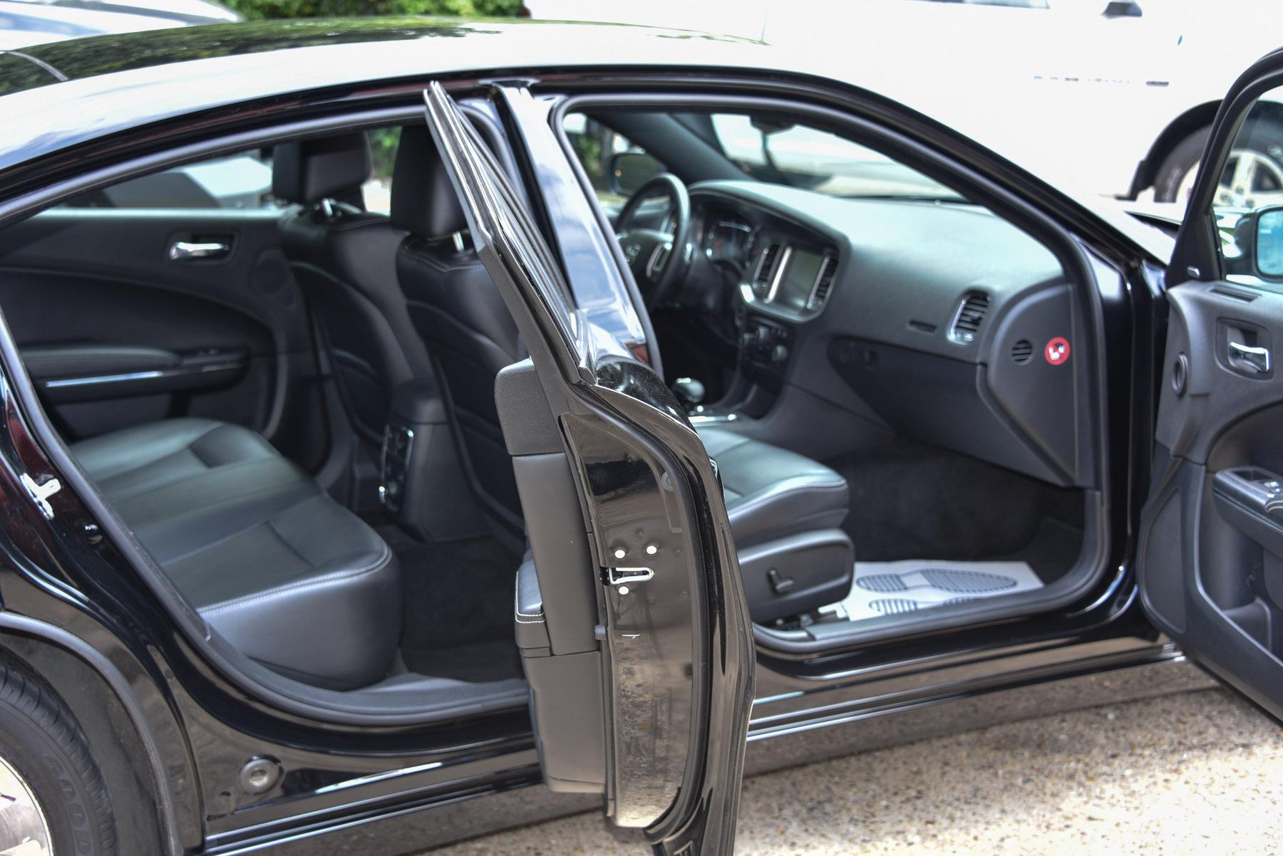 Dodge Charger SXT Plus Black