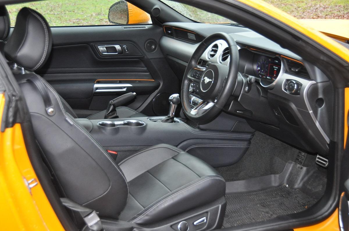FORD MUSTANG GT V8 RHD