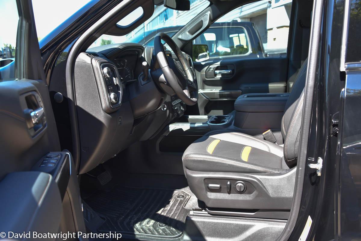 New 2021 GMC Sierra AT4